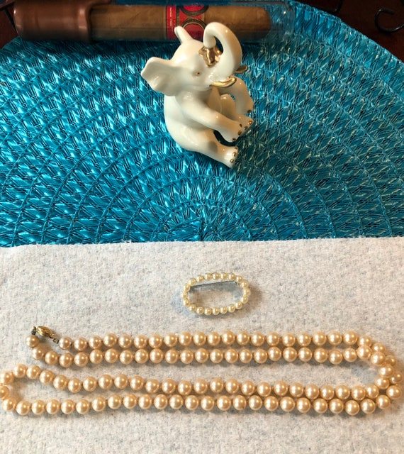 Vintage Marvella Faux Pearl Necklace and Brooch - image 1