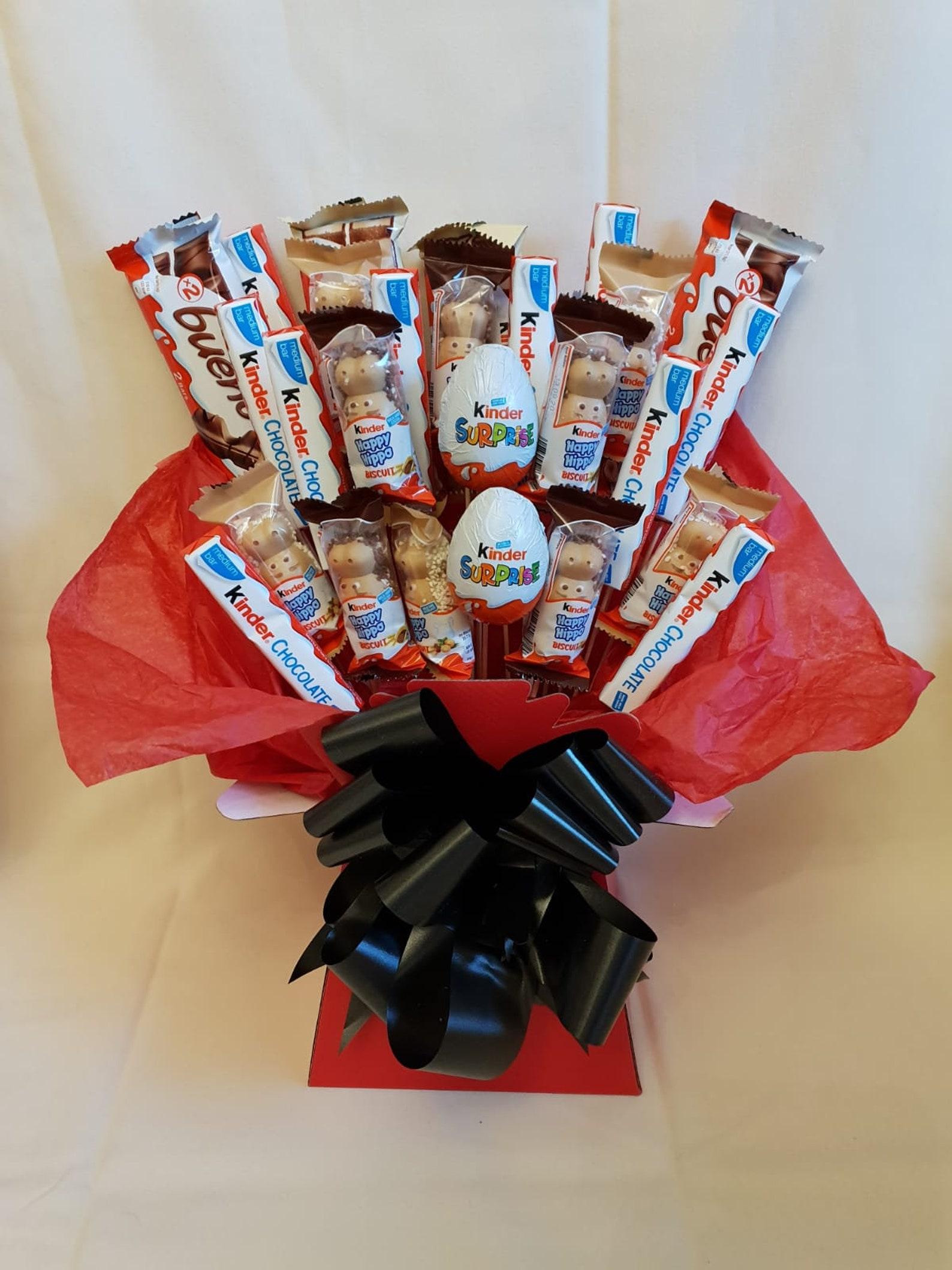 Deluxe Large Kinder Bueno Surprise Hippo Explosion Bouquet Gift