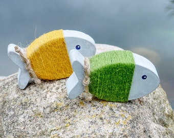"""Concrete fish set, """"wrap fish"""" in green-yellow, hand-cast maritime decoration!"""