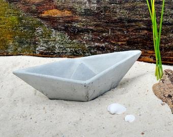 "Concrete ship ""Nixe"", maritime decoration, minimalist and pure, hand-cast!"