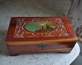 Carved Cedar Wood Box  Wood Trinket Box  Carved Trinket Box  Collector Wood Box  Cedar Box  Keepsake Box  Beaver Wood Box