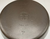 Beautiful Griswold 8 Cast Iron Skillet Small Block Logo Smooth bottom P N. 704F c.1939-1944