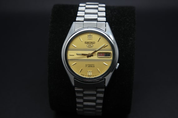 1970s Seiko Vintage Seiko 5 Automatic Day/Date Ge… - image 2