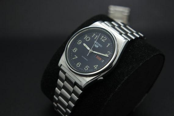 1970s Seiko Vintage Seiko 5 Automatic Day/Date Ge… - image 3