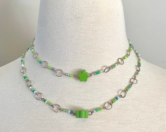 Green Tanzurine Choker Necklace with Zircon and Hidden Flower on the Reverse