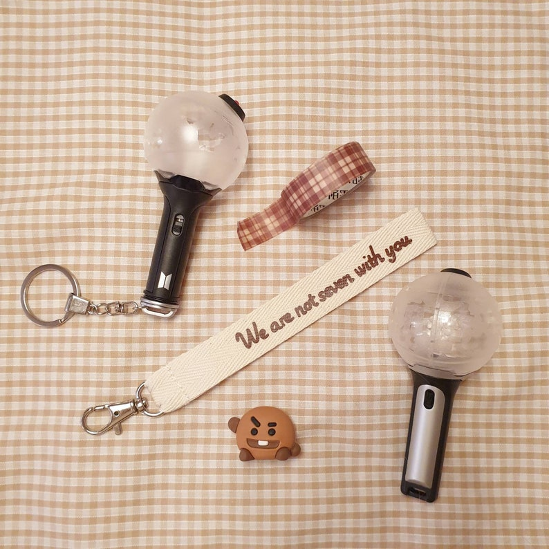 keychain BTS keyring Bangtan Boys lightstick hand strap kpop /'We are not seven with you/' army bomb wrist strap