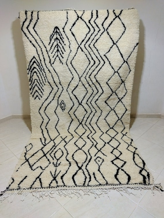 Azilal rugs, handwoven rugs of natural wool. Dimensions 280*160
