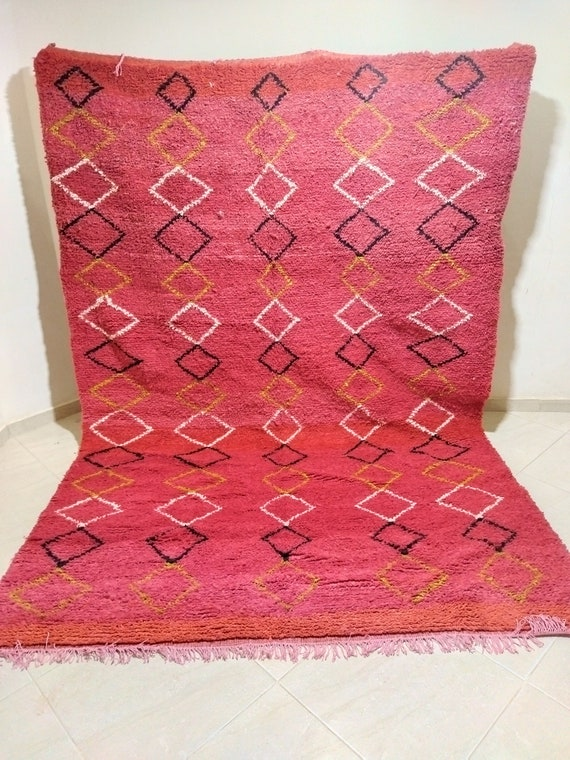 Beautiful and attractive traditional red carpet، Sizes 291*200