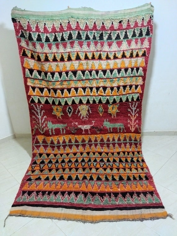 Old Moroccan tradition carpet, old used carpet, azilal carpet، Old-fashioned rug, brown carpet