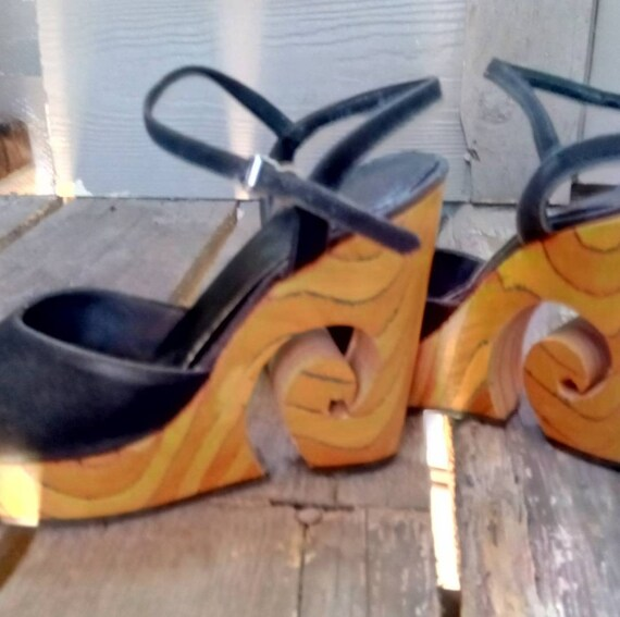 Gorgeous wood 70s platform shoes - image 1