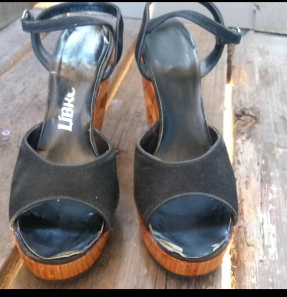 Gorgeous wood 70s platform shoes - image 3