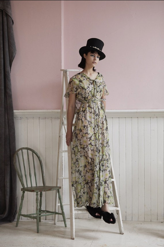 Vintage 30s daisy pattern silk chiffon gown
