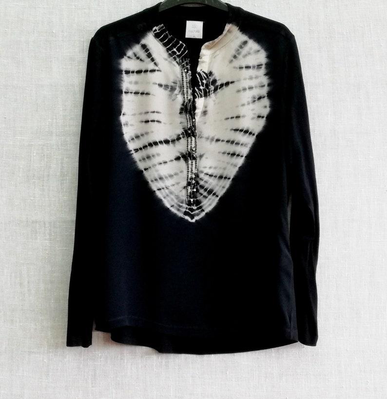 viscose. Cotton Vintage LONGSLEEVE batik blouse Originally women\u2019s M