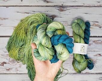 Utah Fiber Collective - Sundance + Blue of the River Sock Set - Fingering Weight Yarn - Superwash Merino Nylon Salta Twisted
