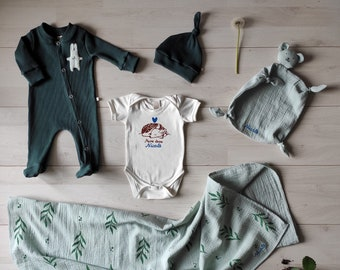 doudou Organic newborn flowers baby muslin sleepsuit and beanie handmade in Italy Customizable gift with your baby/'s name bodysuit