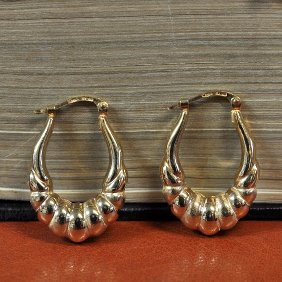9ct Graduated Drop Earrings