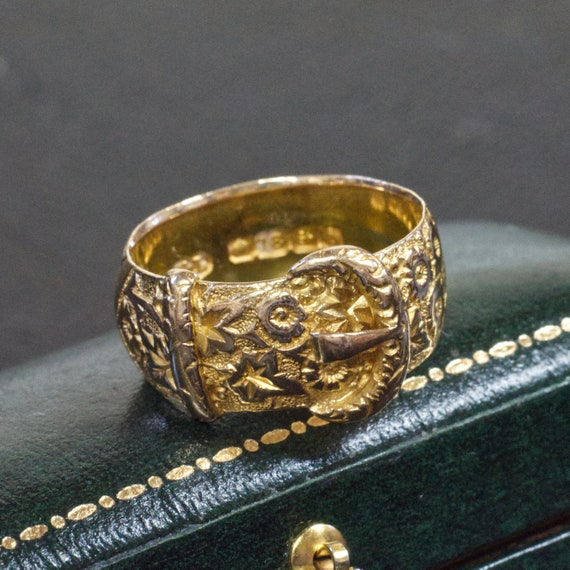 Edwardian 18ct Floral Buckle Ring
