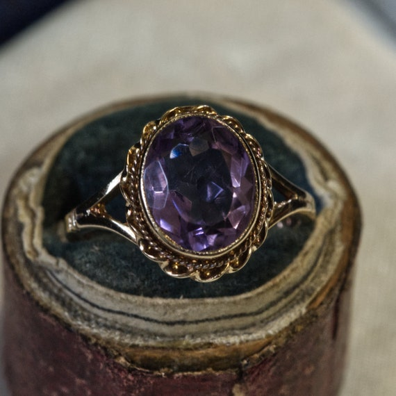 Vintage 9ct Amethyst Ring