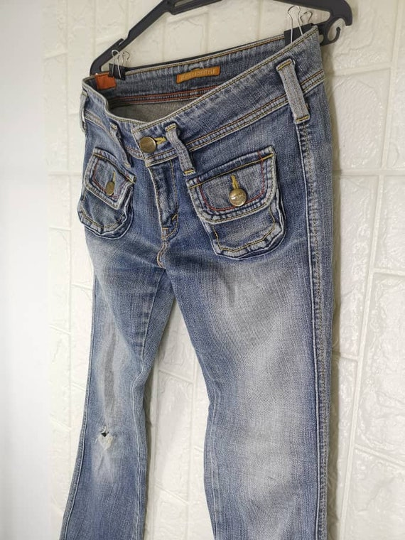 Levis X Front Square Flap with Button Pocket