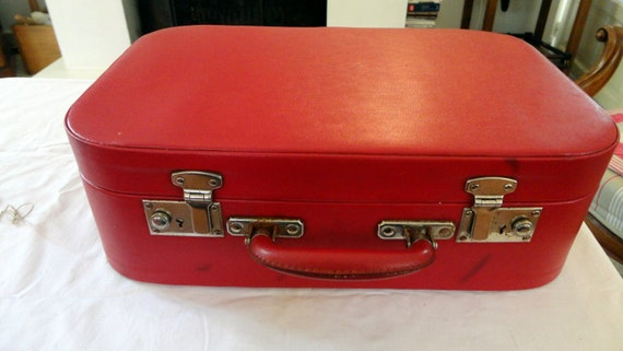 vintage vanity case toilet suitcase kitsch pin up