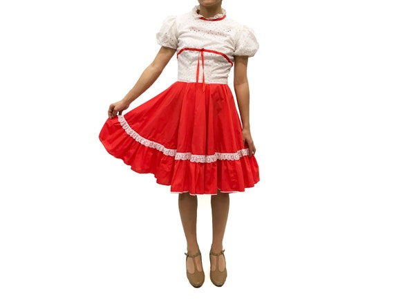 Vintage 1970s White Eyelet and Red Square Dance Dr