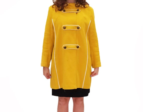 Vintage 1960s Yellow Duffle Coat with Floral Lini… - image 2