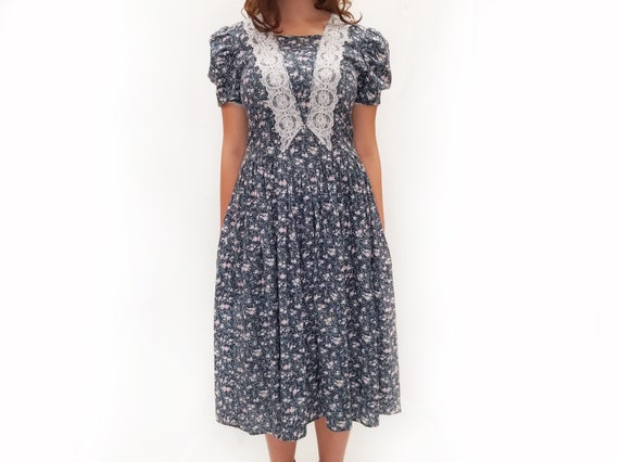 Vintage 1980s Gunne Sax Blue Floral Midi Dress