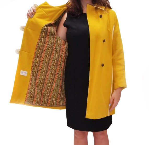 Vintage 1960s Yellow Duffle Coat with Floral Lini… - image 5