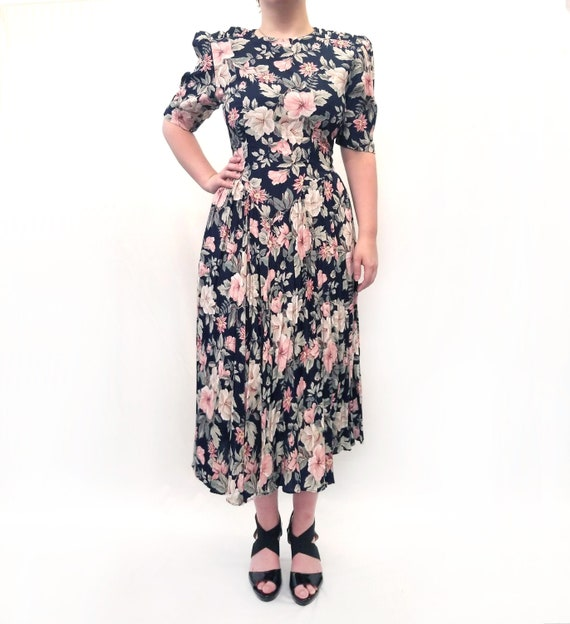 Vintage 1980s Navy Blue and Pink Floral Day Dress