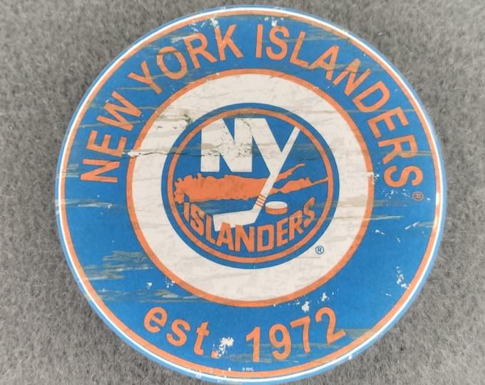 New York Islanders pin back button, New York Islanders team logo buttons, NHL sports team pins, NHL sport team button, NHL pin back button