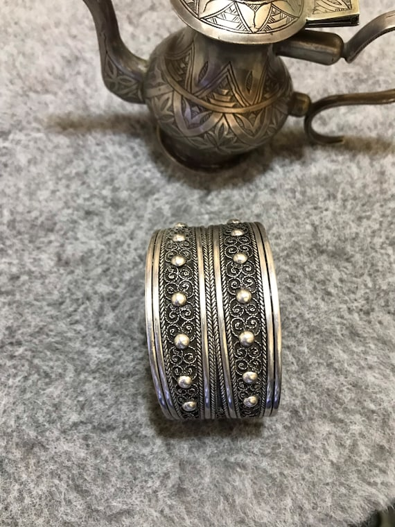 a Berber watermark bracelet braided in massive argant