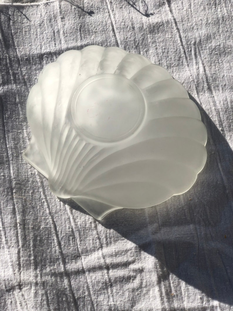 Frosted Shell Dish