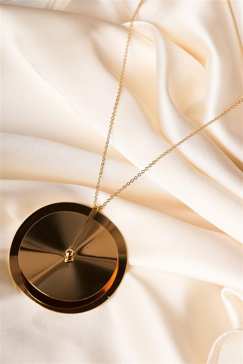 Stylish Women Necklace Women Charm Necklaces Gold Charm Necklace Gold Double Disc Pendant Necklace Shiny Gold Pendant Necklace