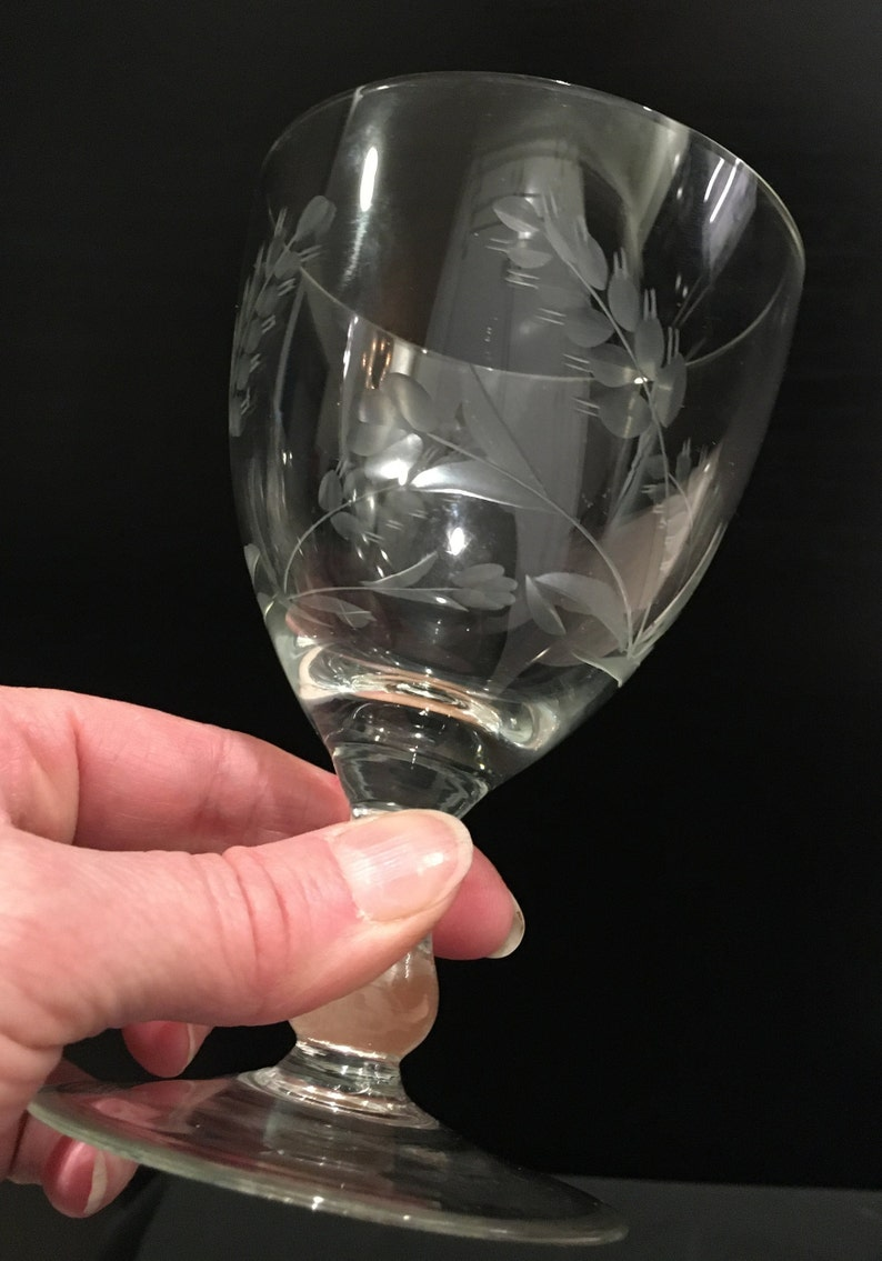 Set of 2 Vintage Etched Glass Water Goblets or Wine Glasses 1960/'s Era Crystal Bar Ware Service for Two or Replacement Set