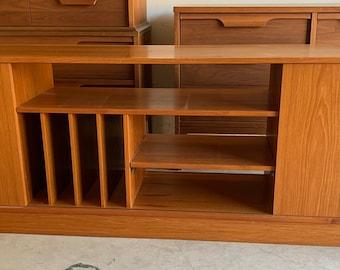 Vintage Mid Century Danish Teak Credenza / Sideboard / Media Center with Album Storage and Sliding Doors