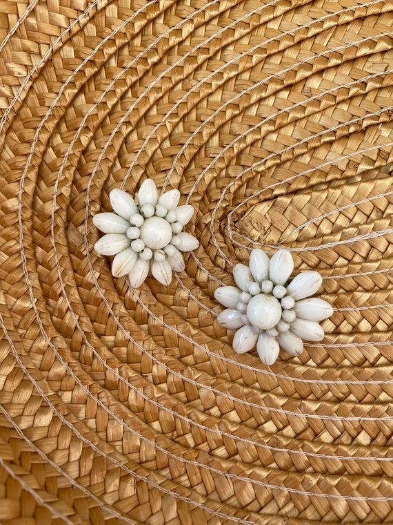 White glass 1960's French daisy clip-on earrings