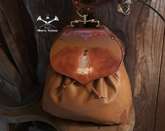 Falconer's Bag -  Leather bag - Falconry Bag - Hunting bag - Personalized Bag - Medieval - Genuine Italian Leather - Hand Made in Italy