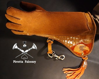 Falconry glove - Eagle women's glove - Falconry accessories - Medieval reenactments - Falconry gift - Handmade in Italy