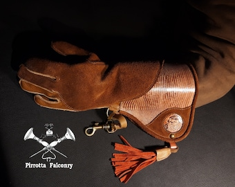 Falconry glove - Women's glove with reinforcement - Historical reenactment - Medieval glove - Falconer gift - Handmade in Italy