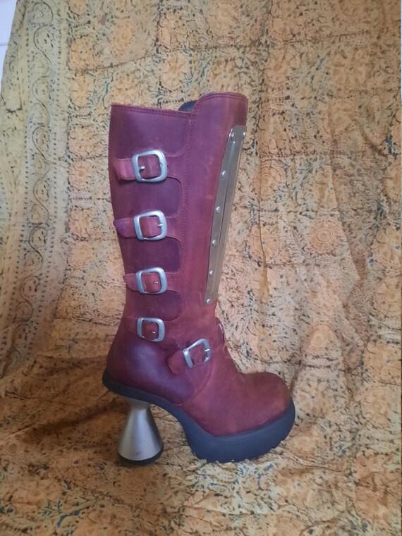 Platform  burgundy  vintage  boots
