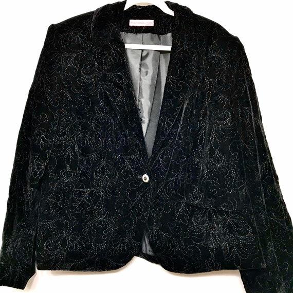 Bandolino Woman Velvet Embroidered Blazer