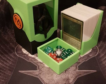 Infect edition, Single/Double Sleeved Commander Deck Box, with front window and locking mechanism, Removable Dice tray and Library holder!