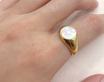 White Mother Of Pearl Statement Gold Ring Signet Forefinger Dome