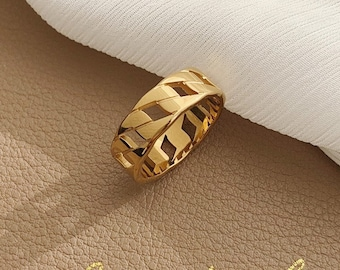 Chain Link Ring 18k Gold Titanium Dainty Delicate Band Thick Chunky Statement Ring