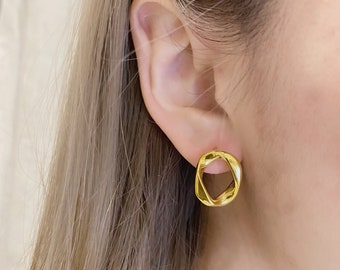 Gold 18k Hoop Earrings Circle Stud Hypoallergenic Titanium Fill 18k Gold Plated Simple Dainty Minimalist