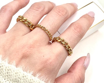 It's a Chain Thing Gold Chain Ring