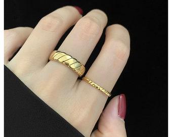 Back2Basic Gold Ring