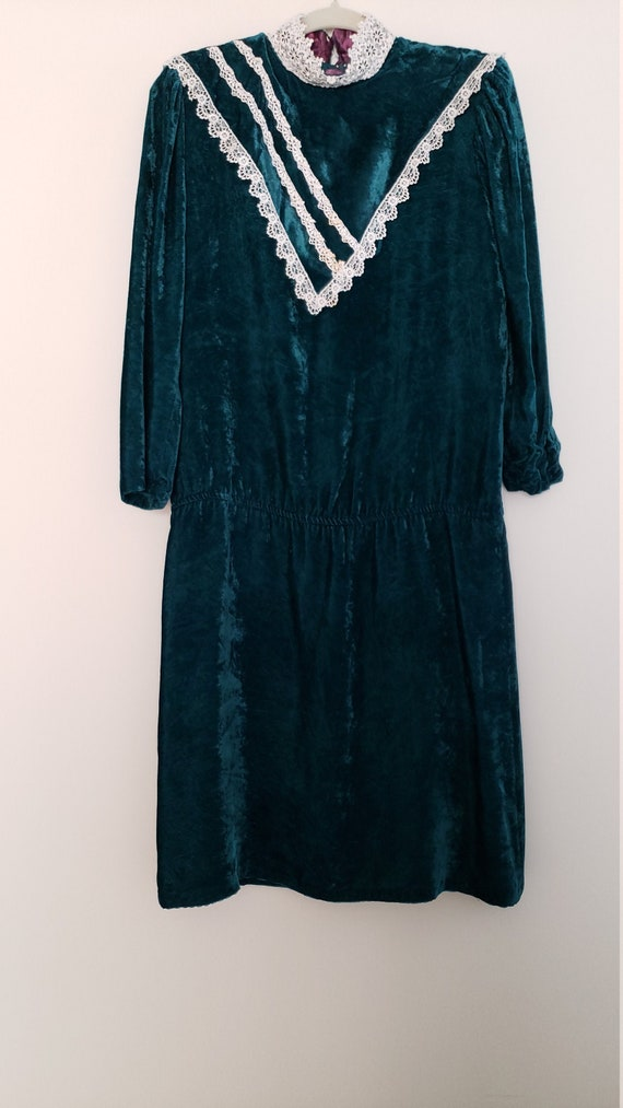 1980s Gunne Sax Crushed Velvet and White Lace Dres