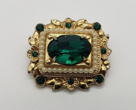 Coro 1940s Vintage Victorian Revival Faceted Emer… - image 1