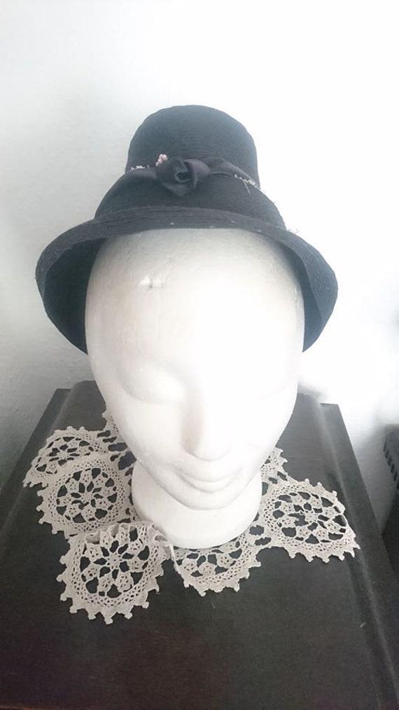 original 30s 40s 30s 40s hat has flowers flowers v
